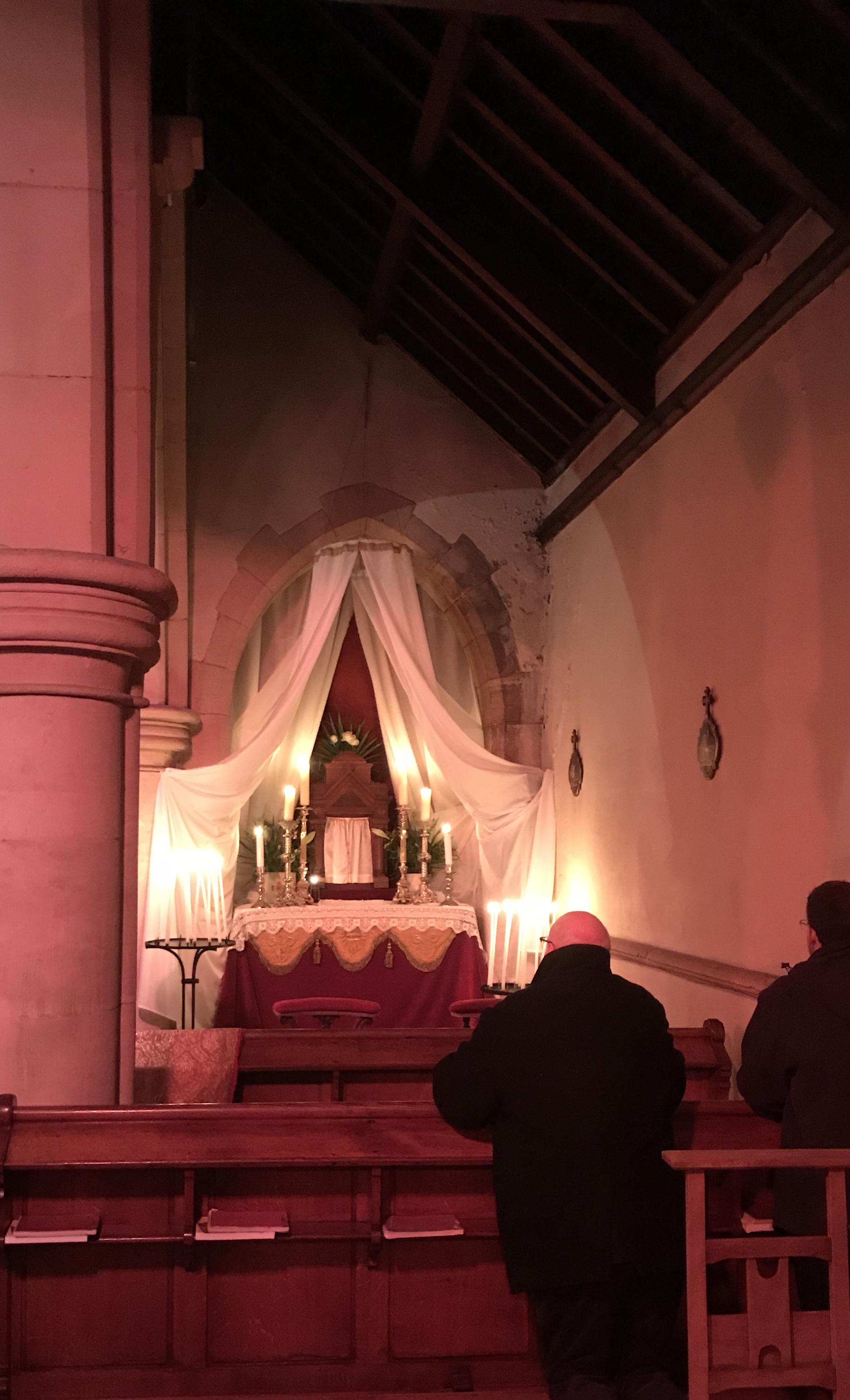 Adoration de cette nuit du 29 mars, au reposoir.