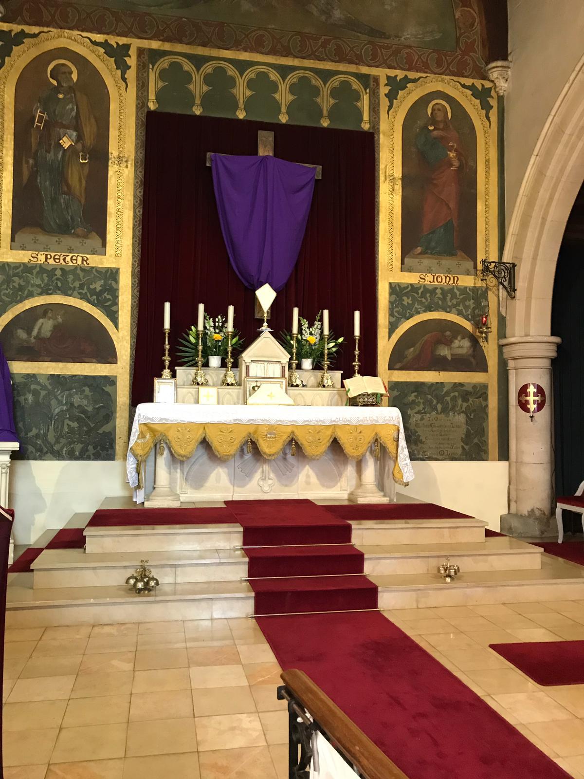 Maître-autel pour la messe du jeudi saint